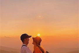 Ước muốn ngay lúc này là được ngắm hoàng hôn Đà Lạt cùng người yêu