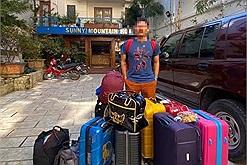 """Hội bạn nữ đi du lịch mang tận 8 vali 5 balo như """"di cư"""" mà còn than 'không có gì để mặc'?"""