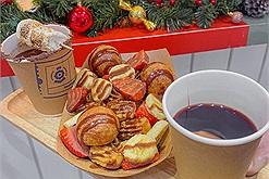 """Rủ nhau """"oanh tạc"""" combo Giáng Sinh bánh Churros Tây Ban Nha vỉa hè Đinh Liệt"""