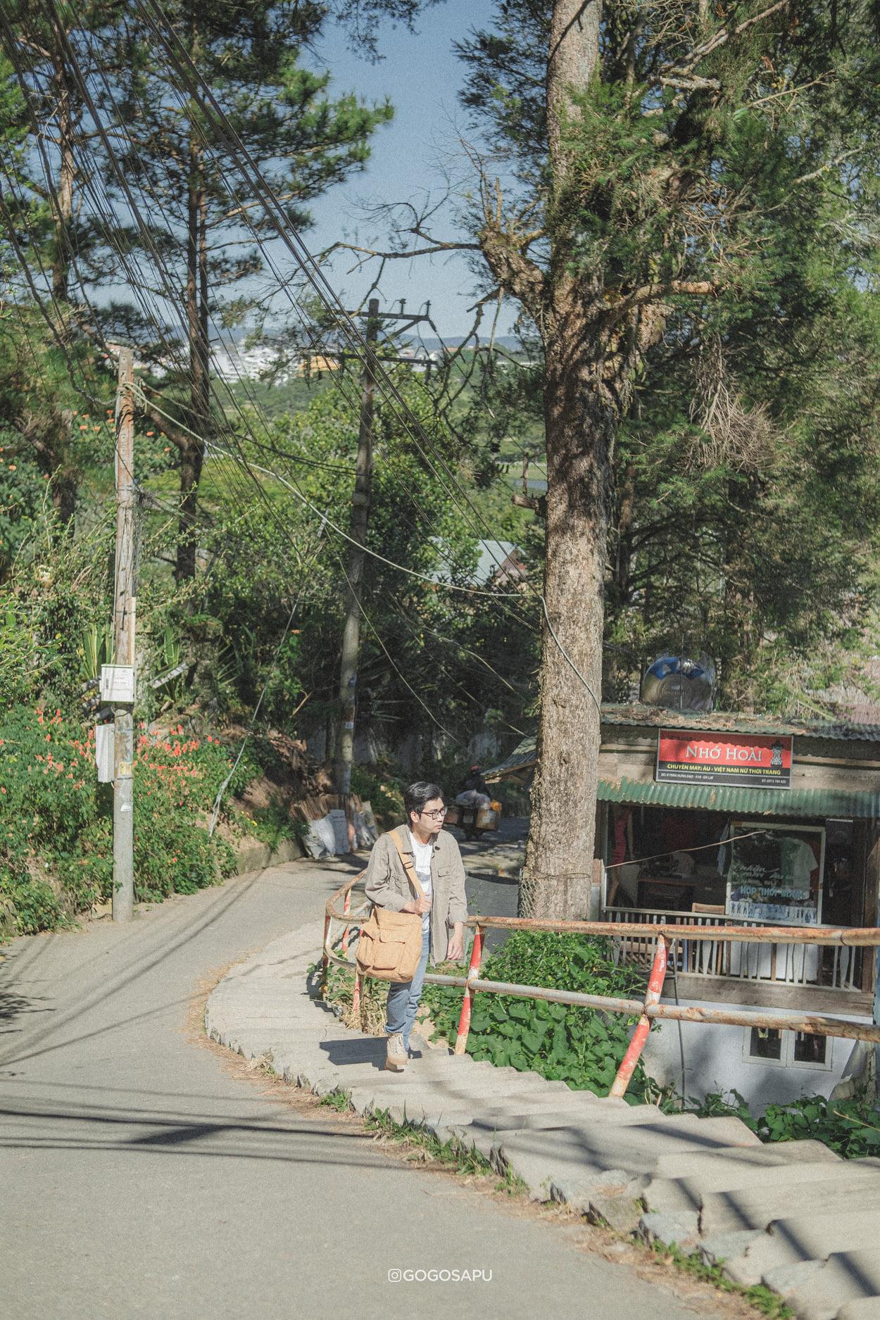 Dốc hẻm số 7 đường Trần Hưng Đạo