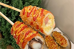 Góc kiểm chứng: Ăn hotdog ngập miệng tại quán anh Hàn Quốc đẹp trai