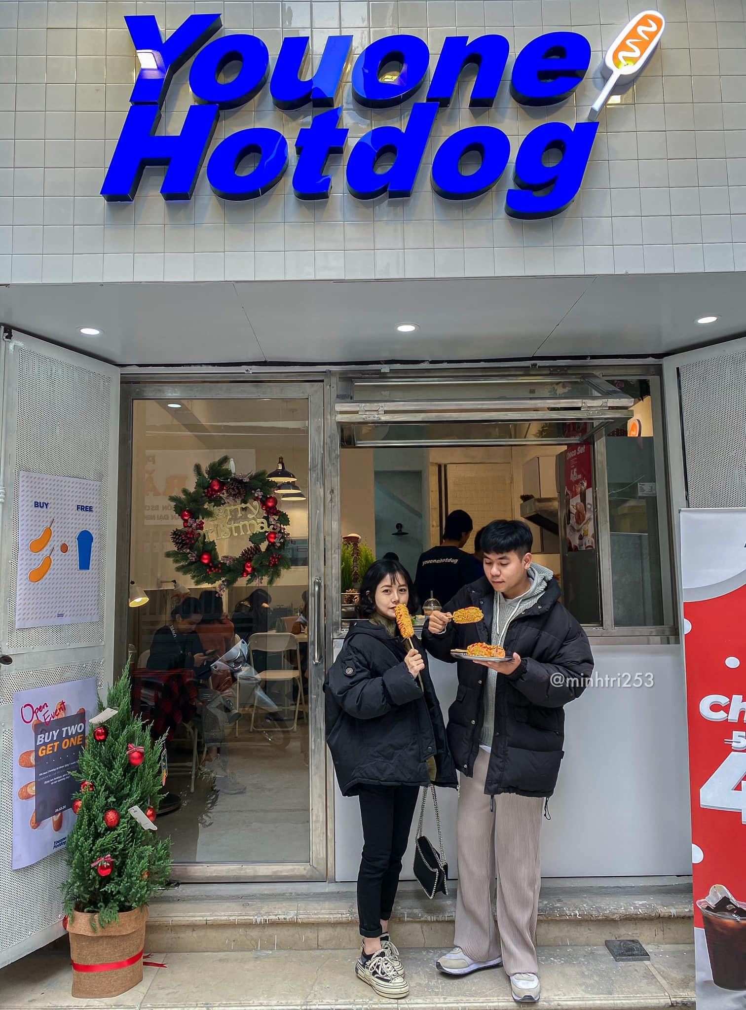 mặt tiền quán youone hotdog