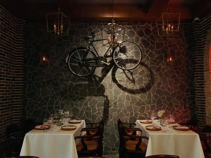 nhà hàng Destiny Wine House
