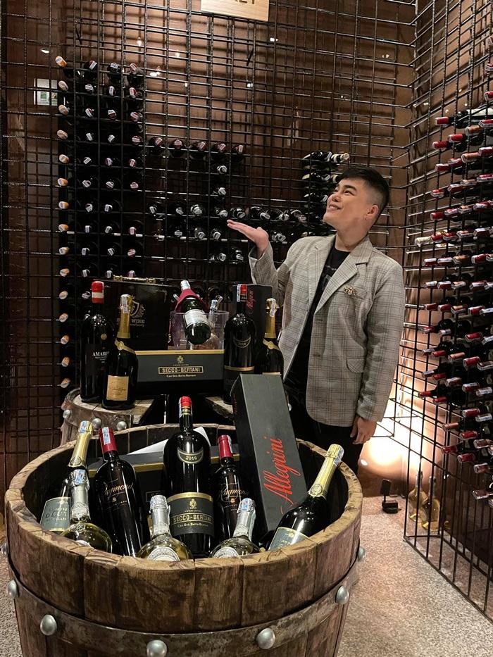 hầm rượu vang tại Destiny Wine House