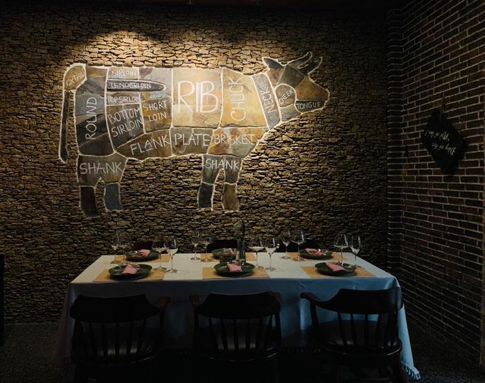 nhà hàng bò Destiny Wine House