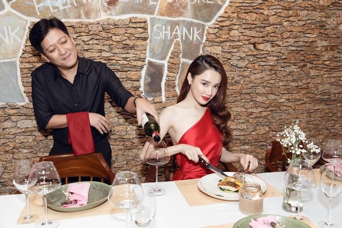 Vợ chồng Trường Giang mở nhà hàng bò mang tên con gái đầu lòng