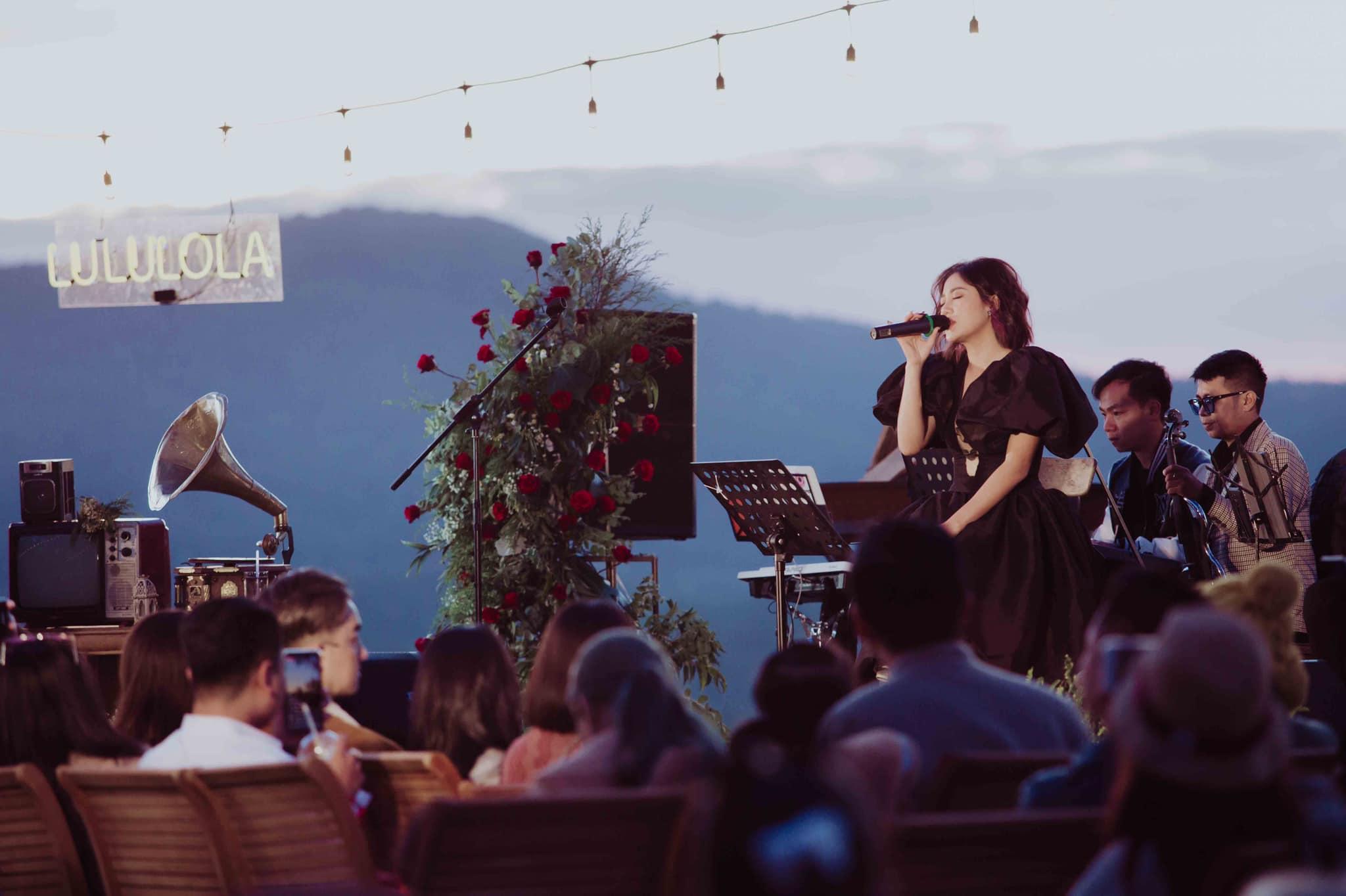cafe acoustic đà lạt Văn Mai Hương