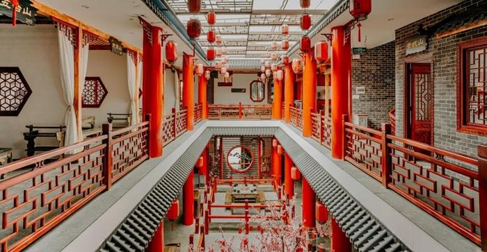 """cách bài trí thật sự xuất sắc về thẩm mĩ mang lại cho thực khách cảm giác lạc vào một quán rượu """"mỹ nhân"""" Trung Quốc"""