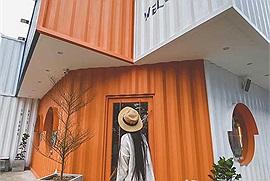 """Cần Thơ chơi gì: """"Khui"""" ngay quán cà phê container rực rỡ sắc cam vinh dự được lên báo ngoại"""