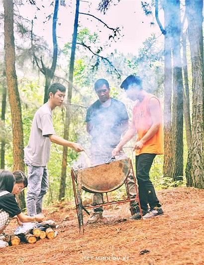 Camping núi Hàm Lợn - Lost in the pines