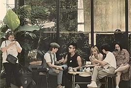 Lộ danh tính quán cafe Thái Lan mà Sơn Tùng M-TP và Thiều Bảo Trâm từng du lịch cùng nhau: hoá ra là nơi rất nhiều người Việt đã check in khi đến Thái Lan