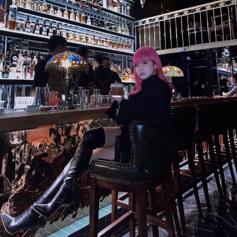 """""""Lộ danh tính"""" cocktail lounge có quầy bar tráng lệ gây xôn xao Hà thành"""