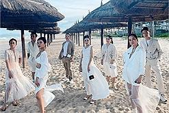 """Công ty nhà người ta đây rồi: Sắm đồ hiệu """"bạc triệu"""" - nghỉ dưỡng ở resort 5 sao chụp ảnh sống ảo"""