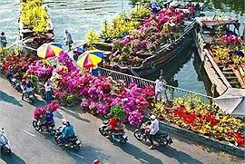 Cận cảnh Chợ hoa 'trên bến dưới thuyền' độc đáo nhất Sài Gòn