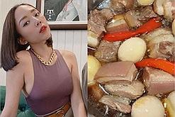 """Đảm như Tóc Tiên, 29 Tết làm một nồi thịt kho hột vịt """"siêu to khổng lồ"""" vỗ béo Hoàng Touliver"""