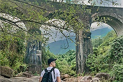 Ga Hải Vân Bắc, Cầu Vòm Đồn Cả - một Nhật Bản thu nhỏ giữa núi đồi xứ Huế