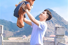Phượt Hà Giang kiểu FA: Không có người yêu thì ôm gấu lên đường chứ sao!