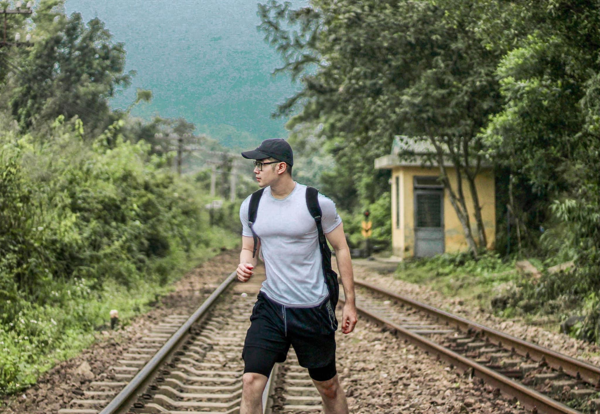 background đường ray tại Ga Hải Vân Bắc