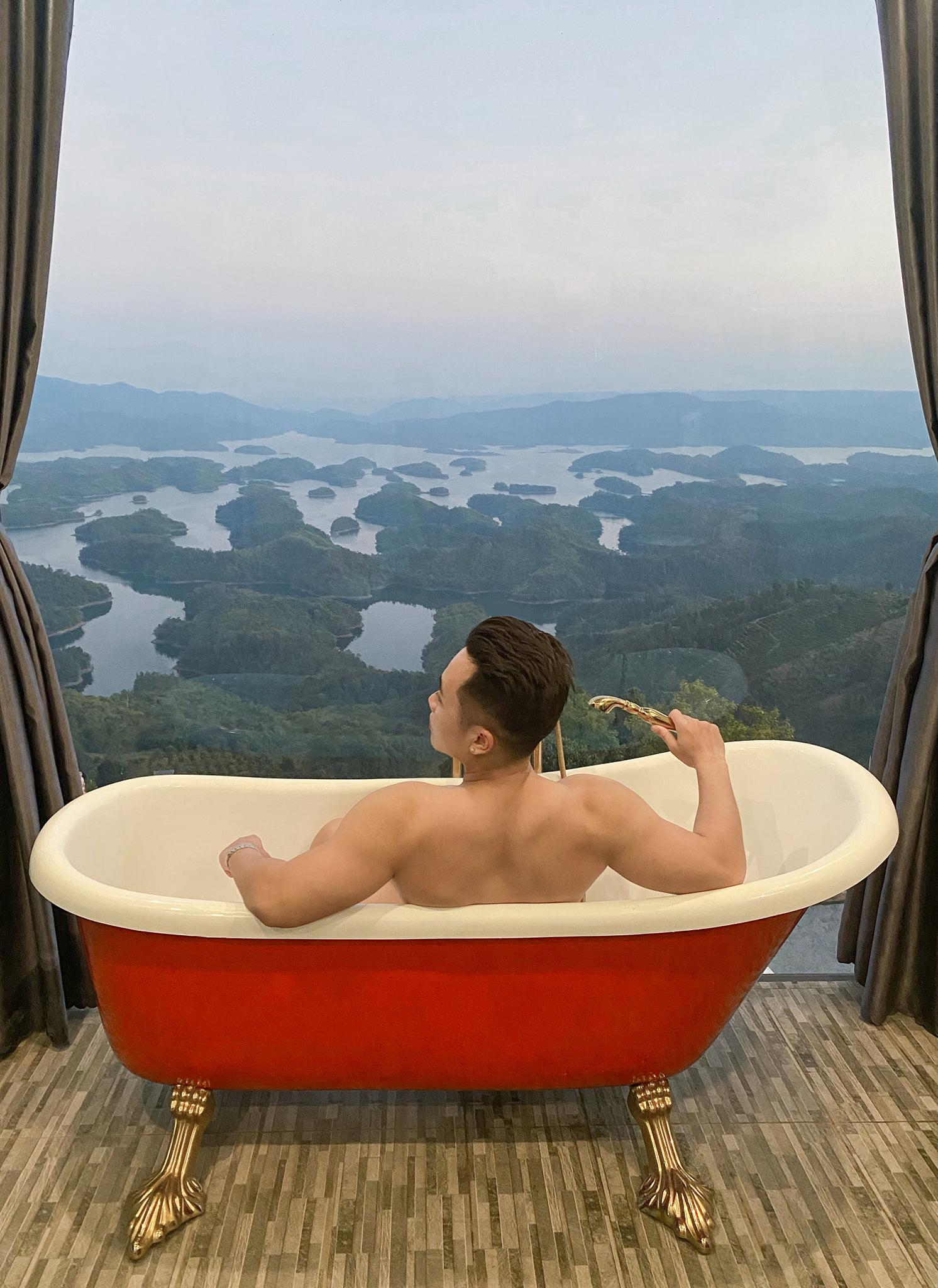 phòng tắm tại homestay ở Tà Đùng