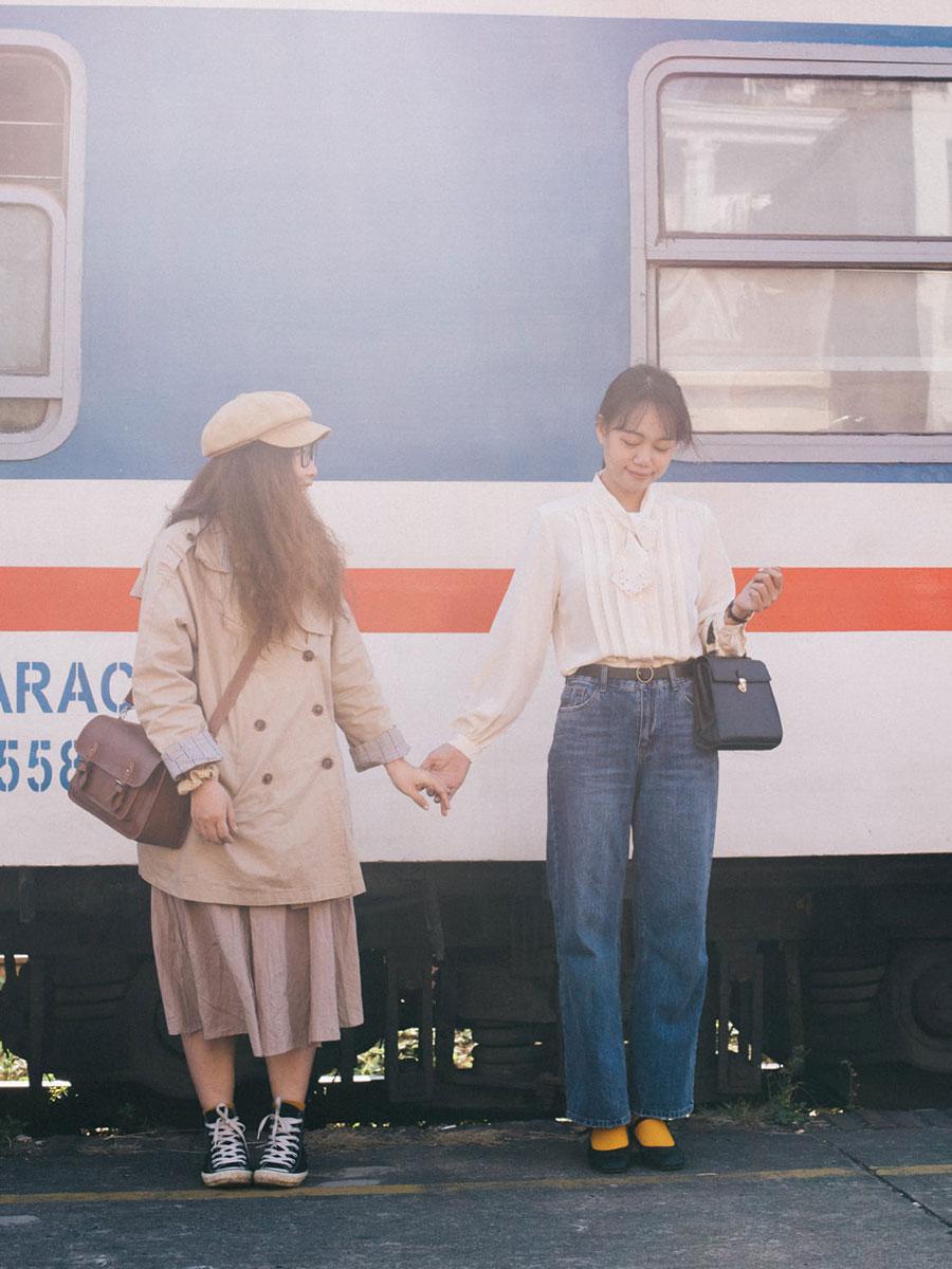 chụp ảnh du lịch tại ga tàu