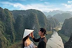 """2N1Đ khám phá mảnh đất cố đô Ninh Bình với các tọa độ """"cỏ cây chen đá, lá chen hoa"""" đẹp như chốn tiên cảnh"""