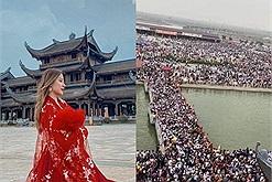 Hàng chục nghìn người ùn ứ ở Tam Chúc, xếp hàng cũng không đủ thuyền mà lên