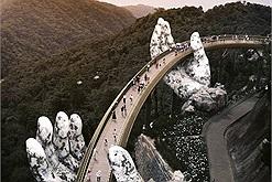 Góc tự hào: Cầu Vàng Đà Nẵng dẫn đầu top Kỳ quan thế giới mới trên báo Anh