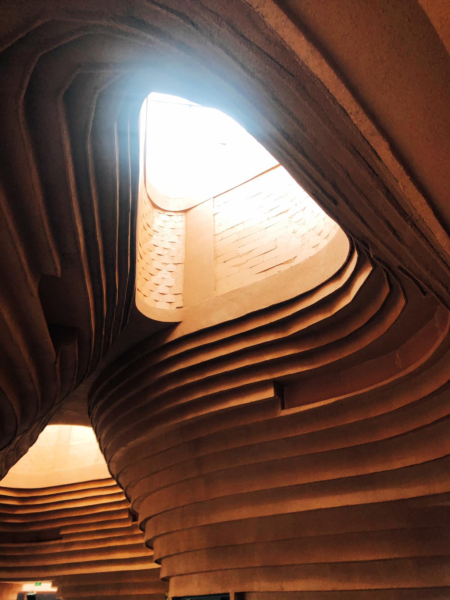 Kiến trúc trần vô cùng độc đáo