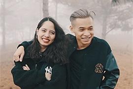 """Trốn stream, vợ chồng Độ Mixi tung Vlog khám phá Đà Lạt nhưng fan lại """"ứa gan"""" vì màn """"cẩu lương"""" của anh chị"""