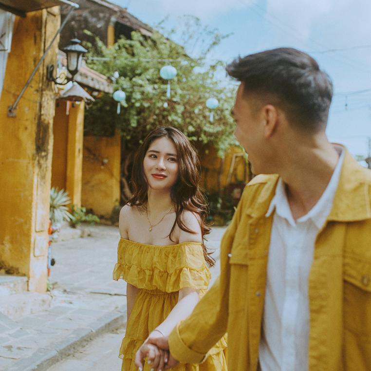 """Cặp đôi """"vàng tươi"""" chia sẻ bộ 4 tips để có ngay bộ ảnh nghìn like ở Hội An"""