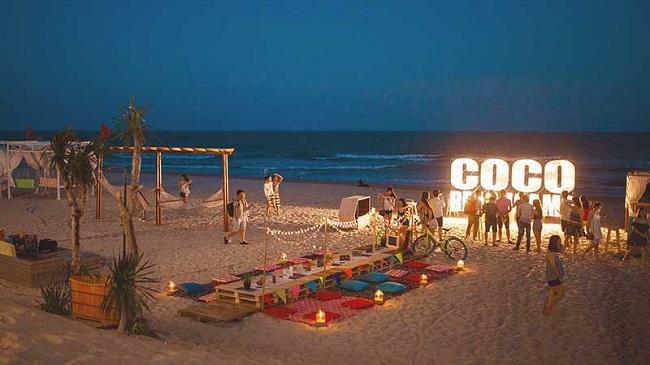 Lửa trại Coco Beach ban đêm