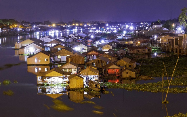 Làng nổi Châu Đốc độc đáo về đêm