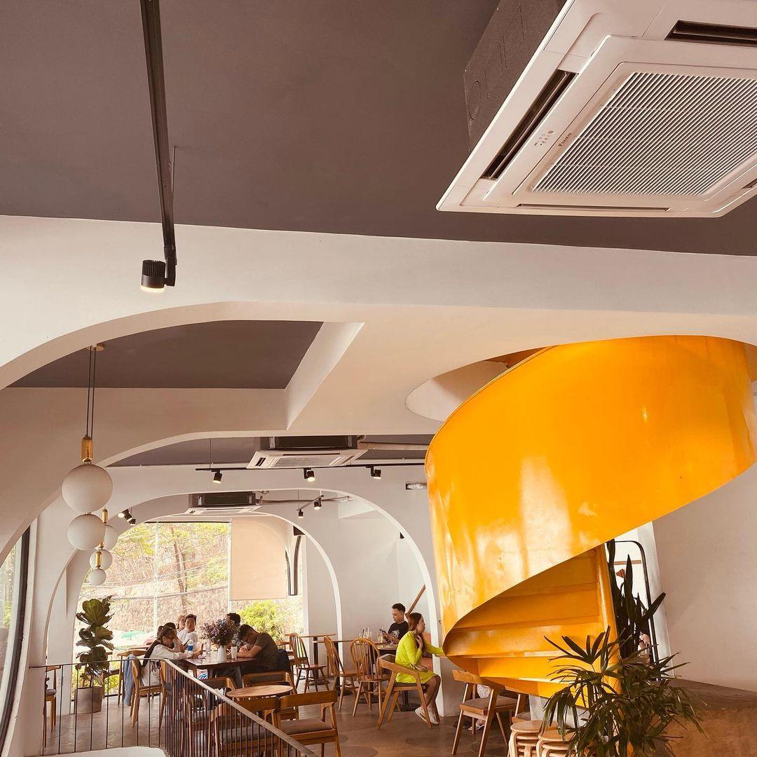 nhung-quan-cafe-co-view-hoang-hon-dep-o-vung-tau