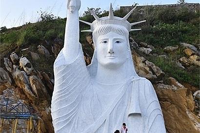 Tạm đóng cửa điểm check-in tượng Nữ thần Tự do gây tranh cãi thời gian qua ở Sa Pa