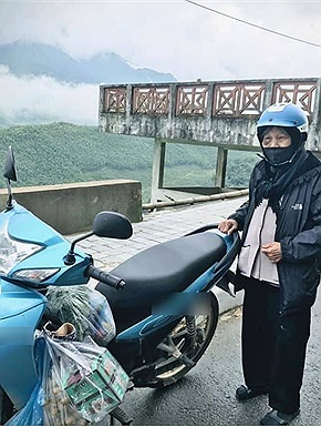 Cụ bà 90 tuổi và niềm đam mê phượt Sa Pa 200km bằng xe máy, người trẻ cũng phải trầm trồ thán phục
