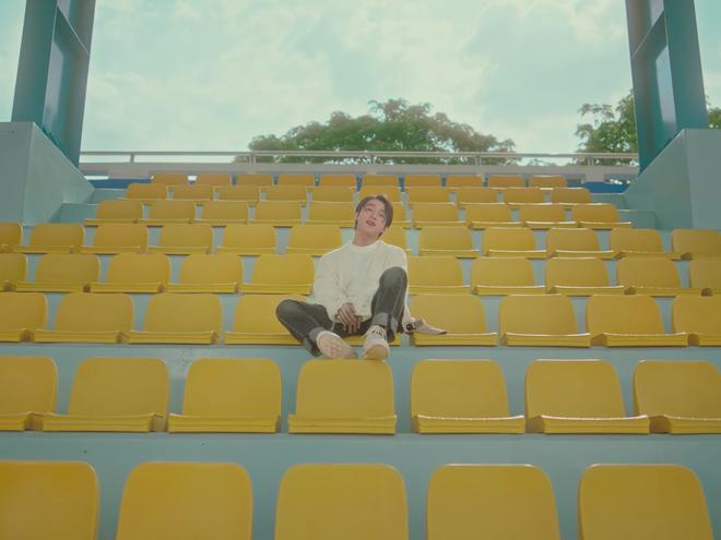 """Sơn Tùng trong MV """"Muộn Rồi Mà Sao Còn"""""""