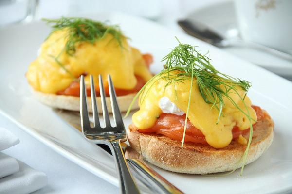 Trứng Benedict - món ăn sáng ngon chuẩn vị Âu