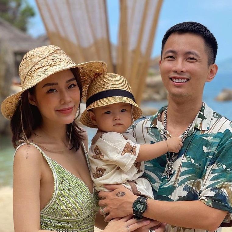 """Mùa hè """"căng cực"""" của vợ chồng Tóc Tiên, Rhymastic tại resort xịn nhất Khánh Hòa, đố ai biết ở đâu đấy?"""
