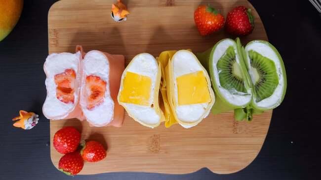 bánh crepe nhân hoa quả