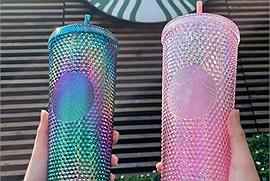 """Lại một lần nữa, Starbucks Vietnam khiến dân tình """"đứng ngồi không yên"""" với chiếc cốc lấp lánh """"sành điệu"""" vừa ra mắt"""