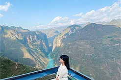 """Cô gái 27 tuổi từ bỏ công việc ổn định để đi xuyên Việt, qua hàng chục tỉnh thành: """"Với tôi, mỗi chuyến đi là một trải nghiệm đáng nhớ"""""""