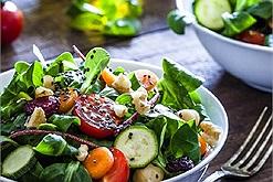 Sưu tầm ngay các món ăn ngon với cải bó xôi bổ sung vitamin cho gia đình