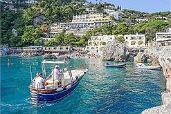 Nói không với Covid-19, Capri - hòn đảo tại trời Tây vẫn đón loạt khách siêu giàu đến nghỉ dưỡng