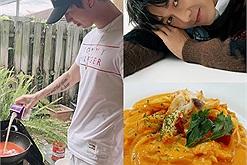 """Song Luân đổi nghề đầu bếp từ khi nghỉ dịch, một ngày nấu ăn đủ ba bữa, """"cây táo cũng nở hoa"""" mất rồi"""