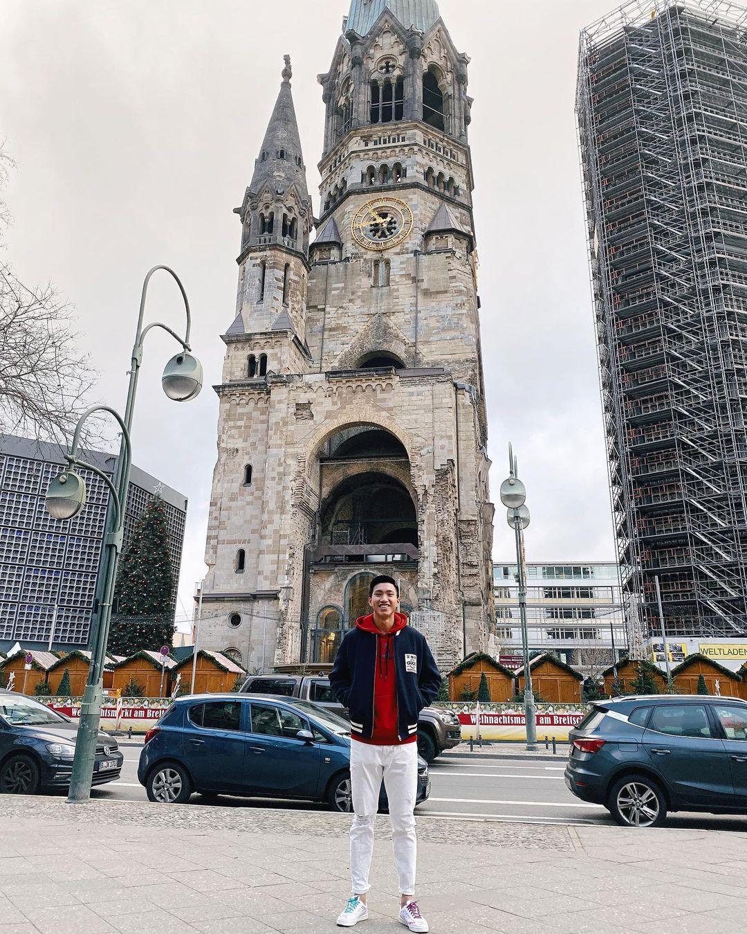 kỳ nghỉ tại Berlin của Đoàn Văn Hậu