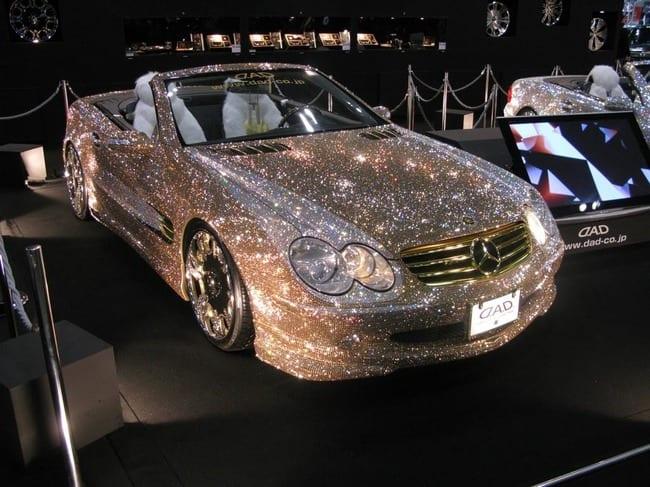 Mercedes dát kim sương lấp lánh
