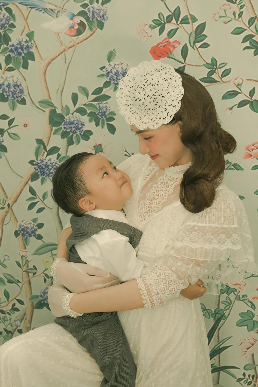 bé Bo và mẹ Hòa Minzy