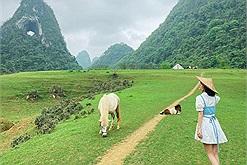 Ghé non nước Cao Bằng, lùng ngay tọa độ check-in đang hot rần rật: núi Mắt Thần độc nhất vô nhị ở Việt Nam
