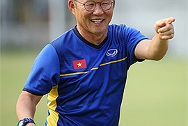 Cộng đồng mạng đùa nhau thầy Park Hang-seo chuẩn người Việt khi vừa ăn được nước mắm mà vừa khoái khẩu cả cơm nắm muối vừng