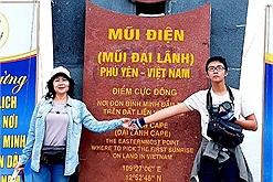 """Mẹ U60 rủ con trai phượt xuyên Việt giải tỏa áp lực học tập, """"Tôi muốn trở thành người bạn để chia sẻ và giúp đỡ con."""""""